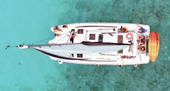 slide 02 Catamaran 35