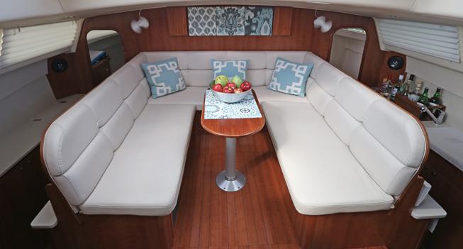 slide 03 Catamaran 35