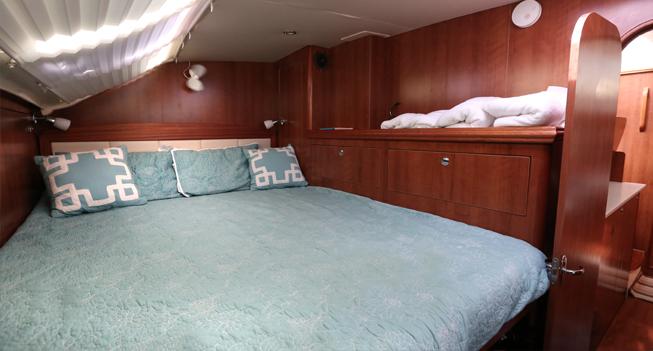slide 04 Catamaran 35