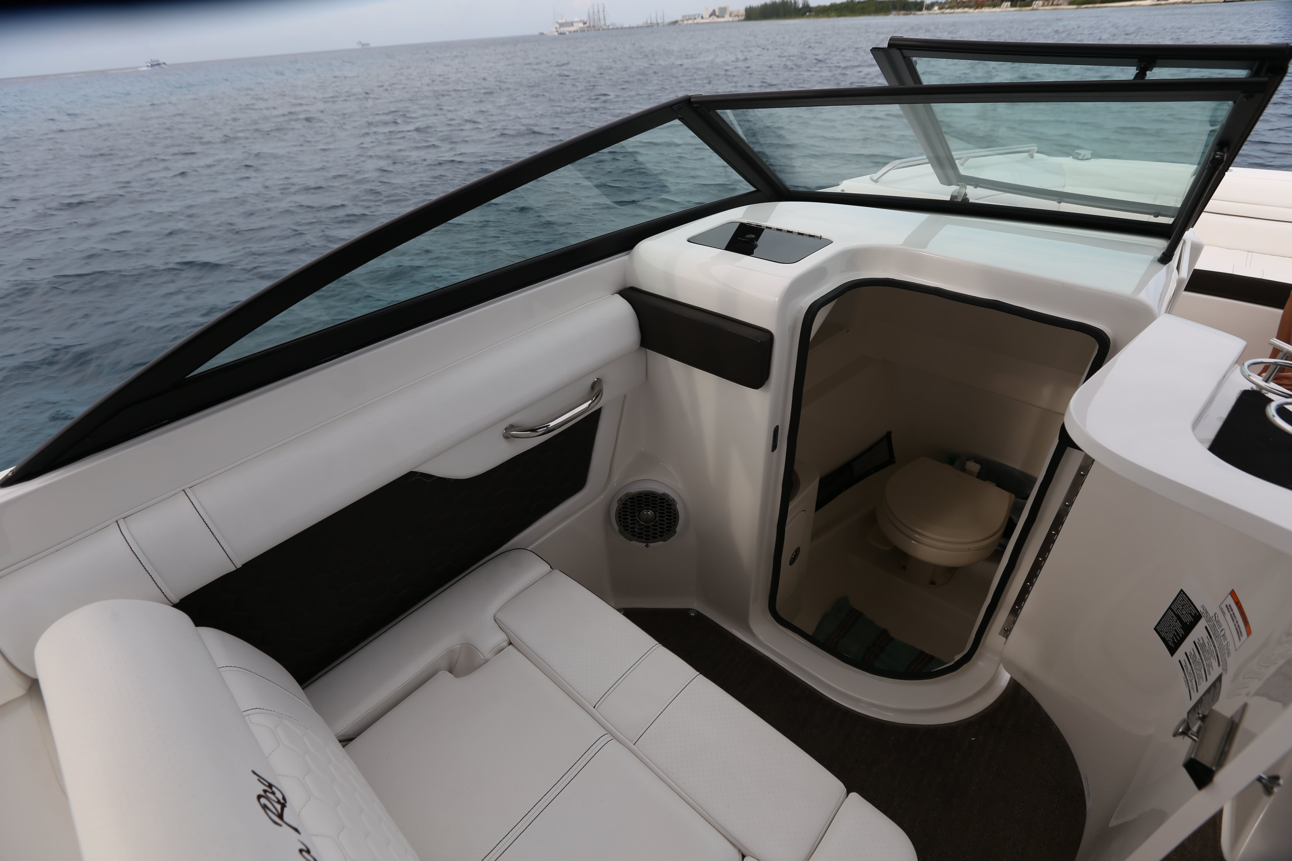 Deluxe Searay 28-11