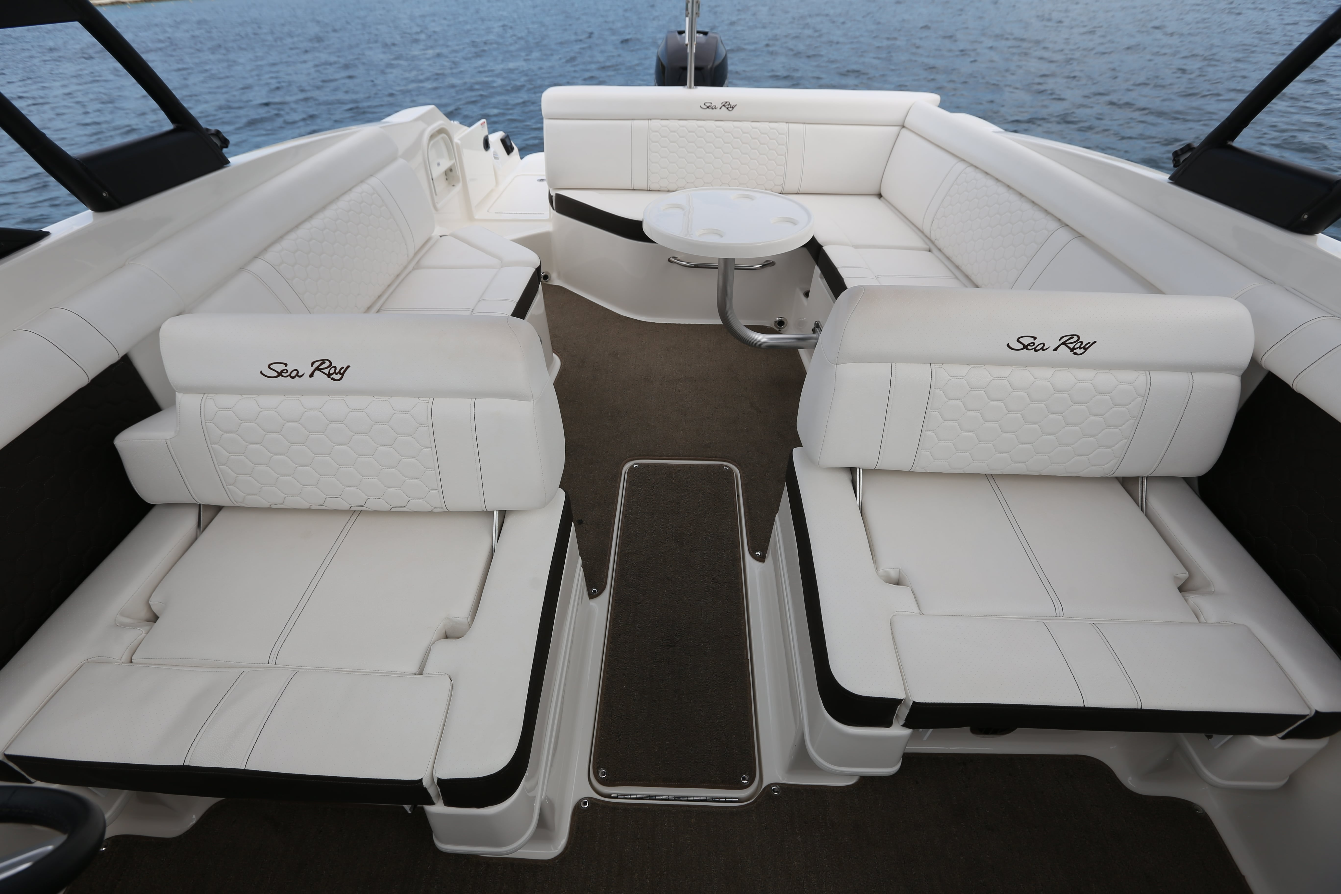 Deluxe Searay 28-8