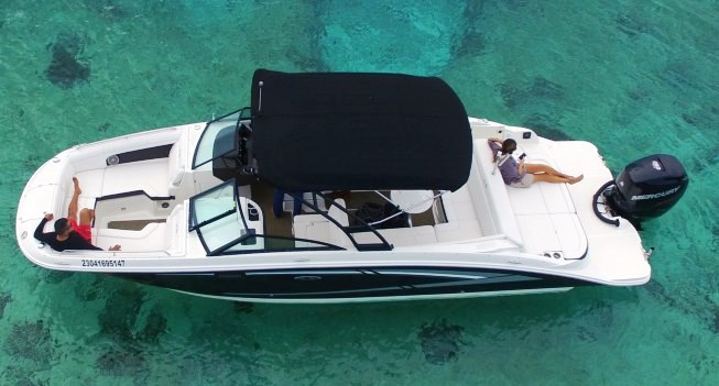 searay 28 deluxe private boat